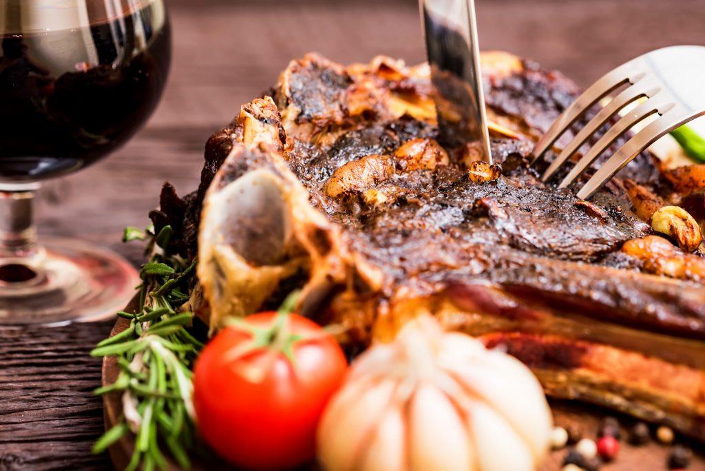 une bonne viande grillé au barbecue